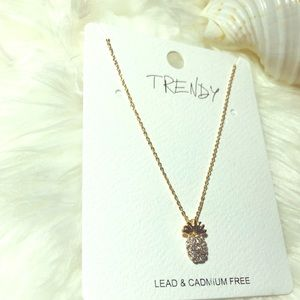 ❤️Gold pineapple 🍍 necklace ❤️